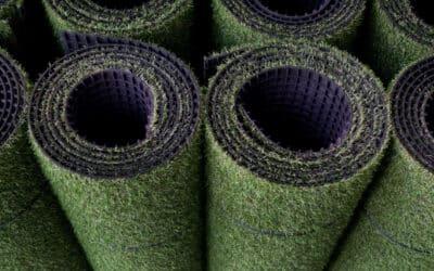Czym musi się wyróżniać sztuczna trawa?